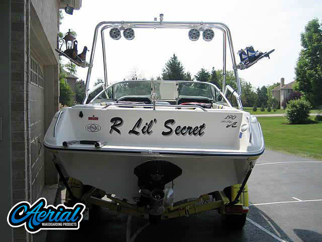 1990 Searay 190 Wakeboard Tower, speakers, racks, bimini