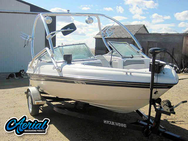 2001 Four Winns Horizon 170 Wakeboard Tower, speakers, racks, bimini