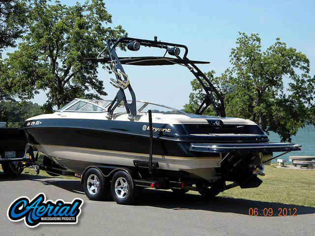 2002 Bryant 232 Wakeboard Tower, speakers, racks, bimini
