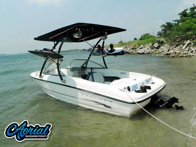 View wakeboard tower and accessories on a 2005 Bayliner 175BR
