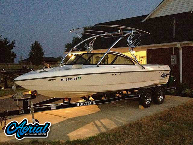 2000 Tige 21V Wakeboard Tower, speakers, racks, bimini