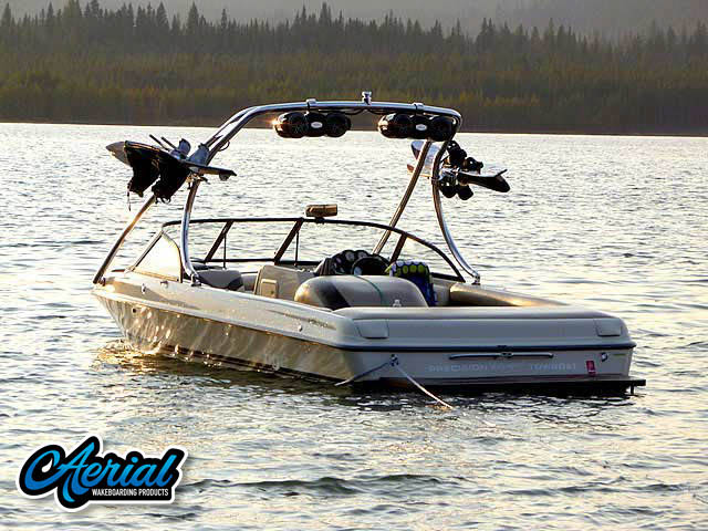 1999 Tige 2200i Wakeboard Tower, speakers, racks, bimini