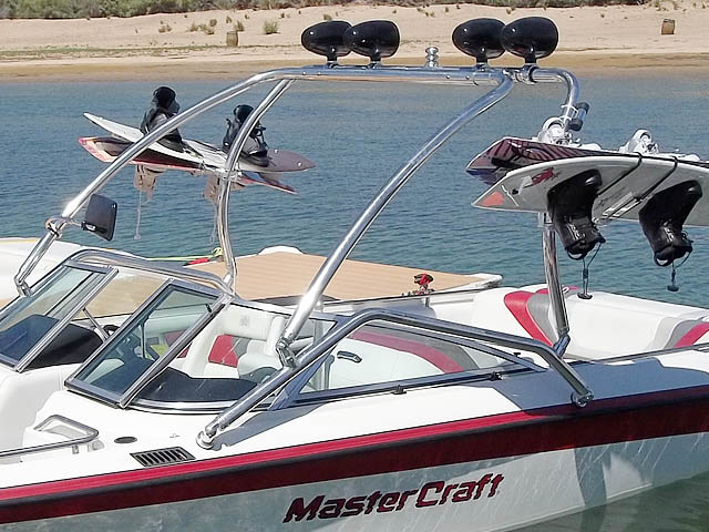 1992 Mastercraft Maristar wakeboard tower, speakers, racks, bimini & lights