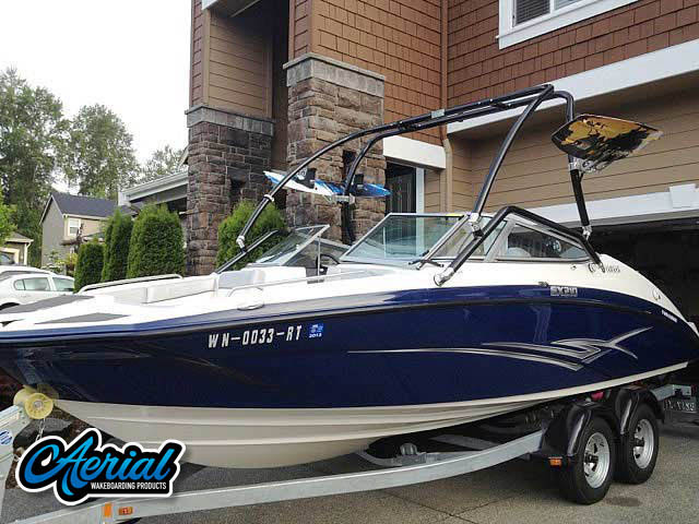 2012 Yamaha SX210 Wakeboard Tower, speakers, racks, bimini