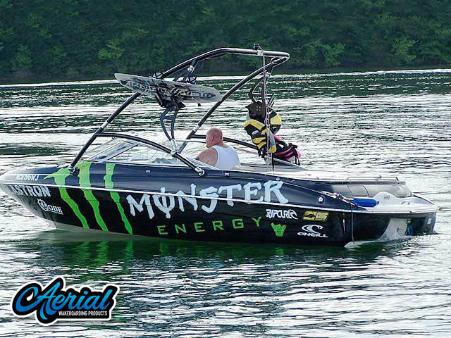 Wakeboard tower for 2000 Glastron GSX205 boat featuring Aerial's Assault Tower