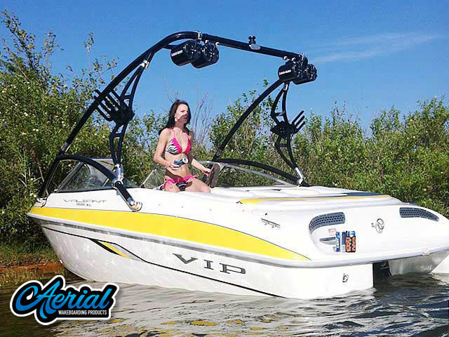 2002 VIP Valiant 1996  wakeboard tower, speakers, racks, bimini & lights