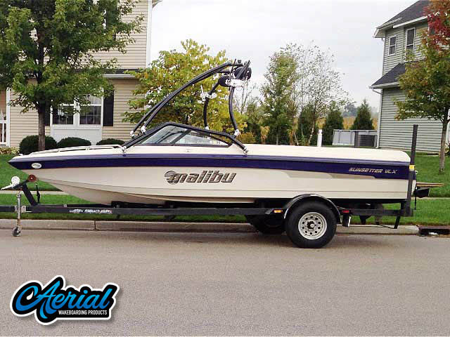 2001 Malibu Sunsetter VLX  Wakeboard Tower, speakers, racks, bimini