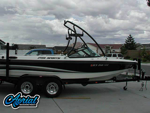 View wakeboard tower and accessories on a 2002 MB Sports Boss190