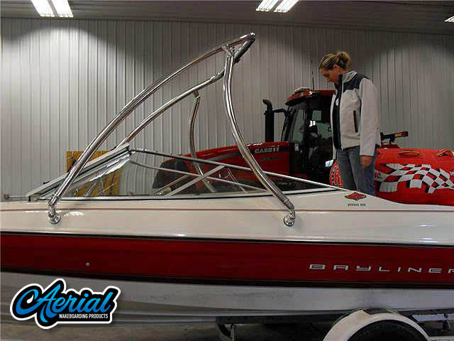 View wakeboard tower and accessories on a 1996 Bayliner 2050SS