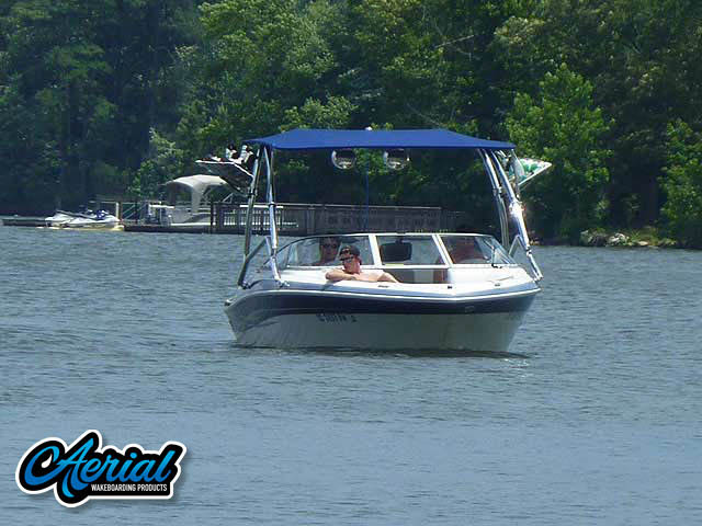 2005 Four Winns Horizon 200 Wakeboard Tower, speakers, racks, bimini