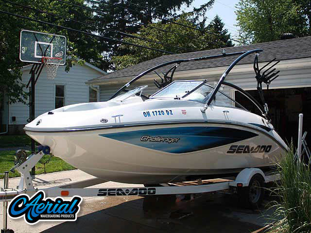 Sea Doo Challenger 2006 Wakeboard Tower, speakers, racks, bimini