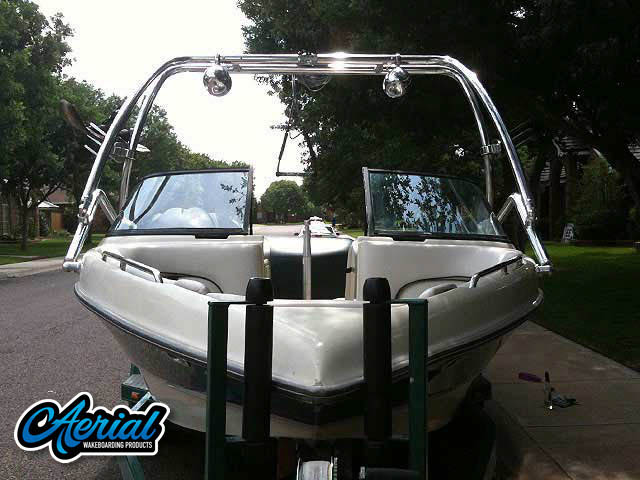 Tigé/PRE 2200i WT/1998 Wakeboard Tower, speakers, racks, bimini