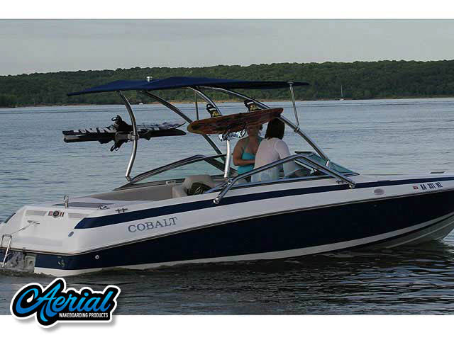 Cobalt / 220 / 1995 Wakeboard Tower, speakers, racks, bimini