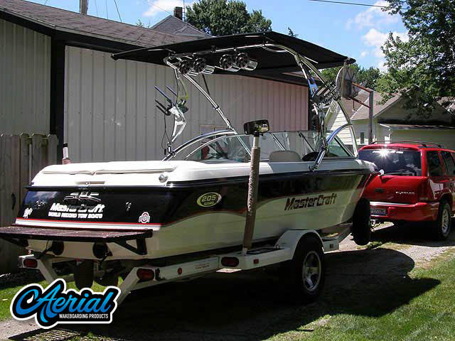 View wakeboard tower and accessories on a 2000 MasterCraft Pro-Star 205