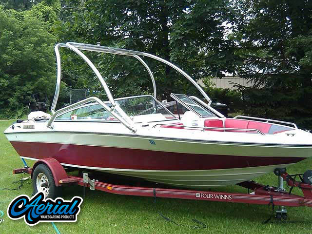 1990 Four Winns Freedom 170  Wakeboard Tower, speakers, racks, bimini