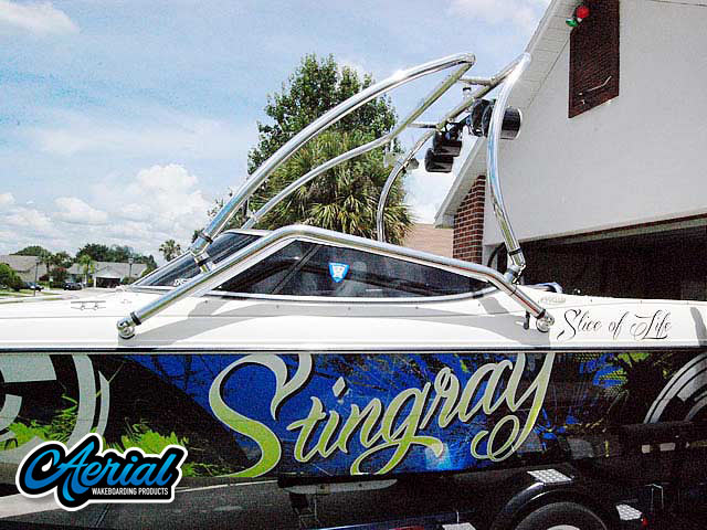 1999 Stingray 190lx wakeboard tower, speakers, racks, bimini & lights