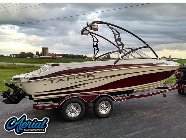 Wakeboard tower for '06 Tahoe Q6 boat featuring Aerial's Assault Tower