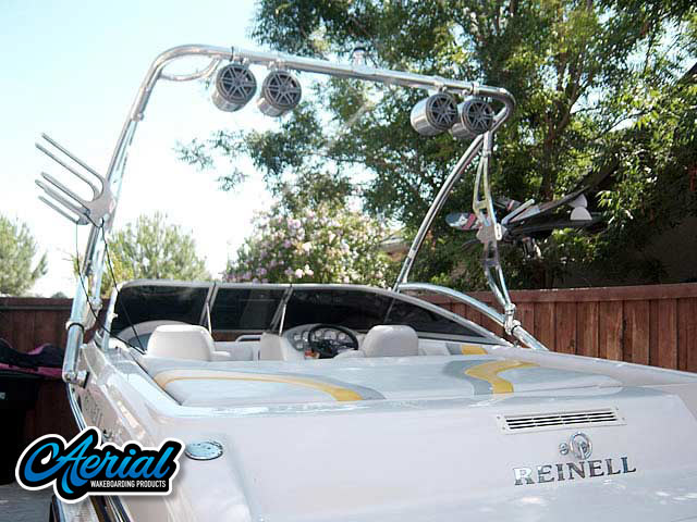 2004 Reinell wakeboard tower, speakers, racks, bimini & lights