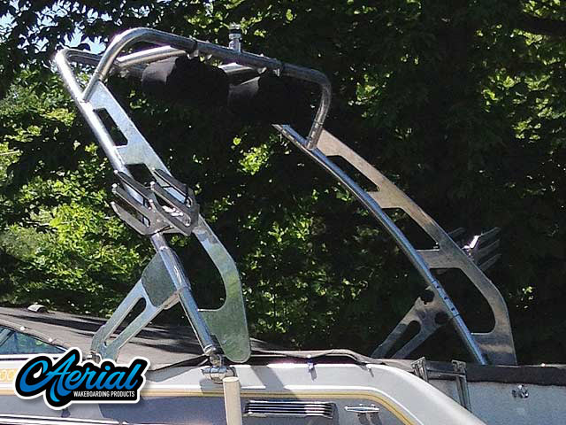 1988 Four Winns Horizon 200 Wakeboard Tower, speakers, racks, bimini