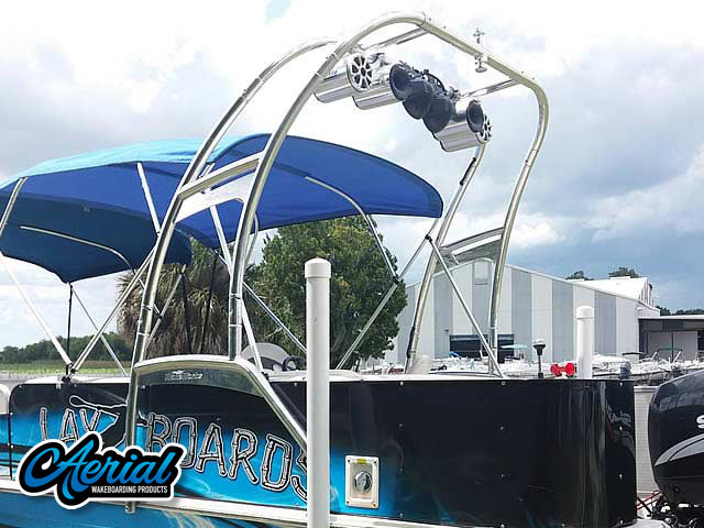 2008 Hurricane Fun Deck wakeboard tower