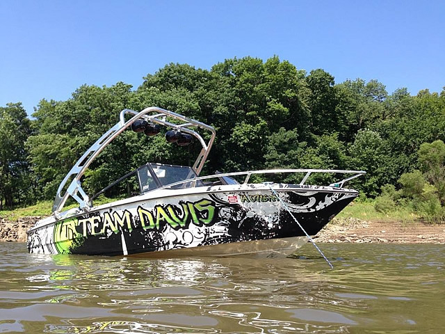 Wakeboard tower for 1989 boat featuring Aerial's FreeRide Tower