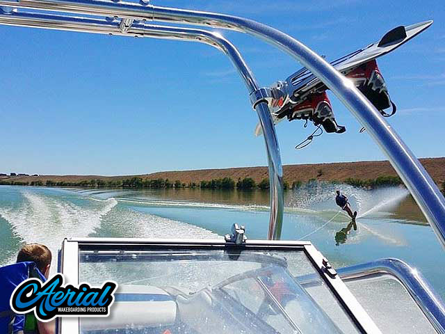1994 Bayliner Capri 2050 Wakeboard Towers
