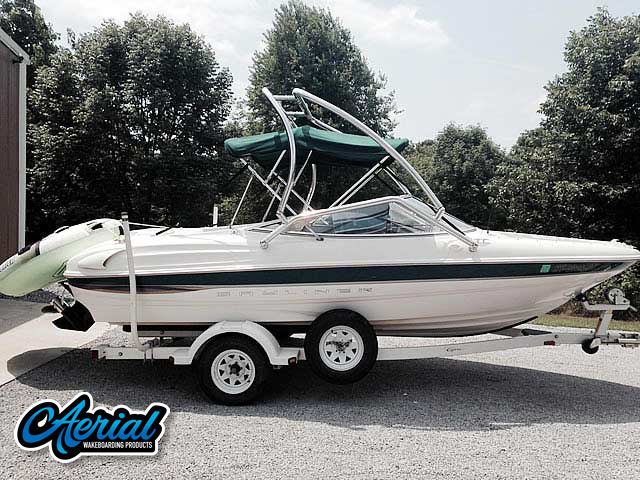 2000 Bayliner Capri 1850 LX Wakeboard Tower, speakers, racks, bimini