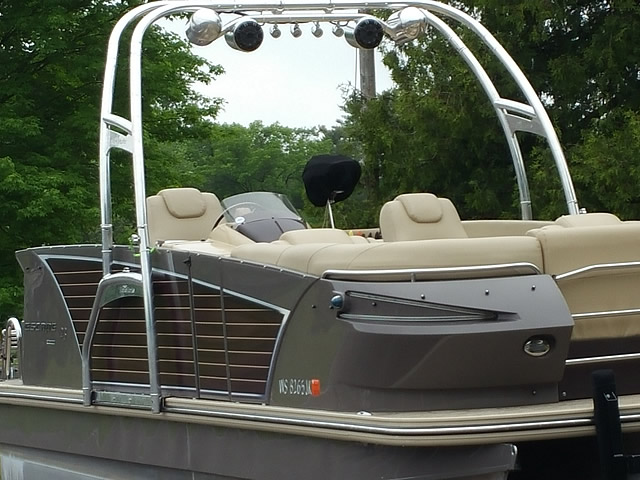 Pontoon Boat Ski Tow Bar >> Wakeboard Tower for Pontoon Boats | This is How You Can Wakeboard Behind a Pontoon Boat