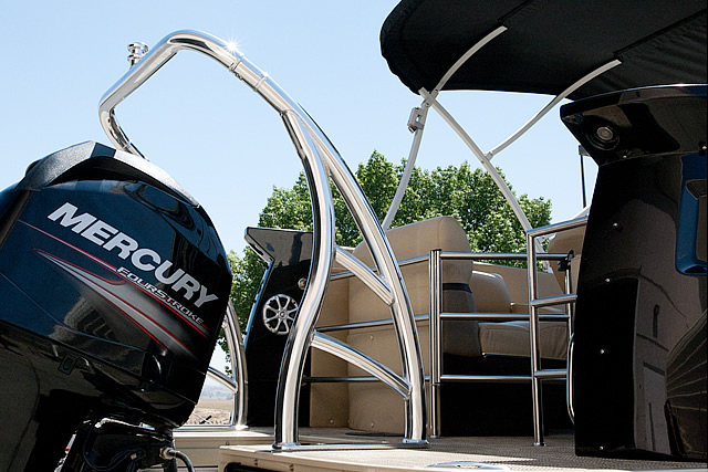 How a Universal Ski Tow Bar for Pontoon Boats installs on a ski boat