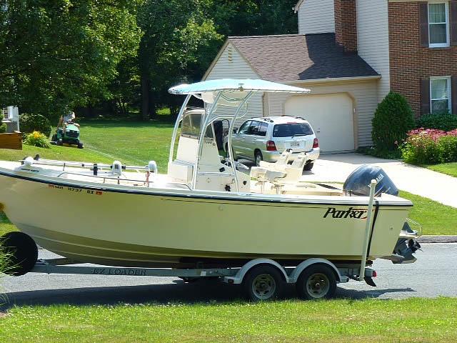 2007 Parker 2100  boat t-tops