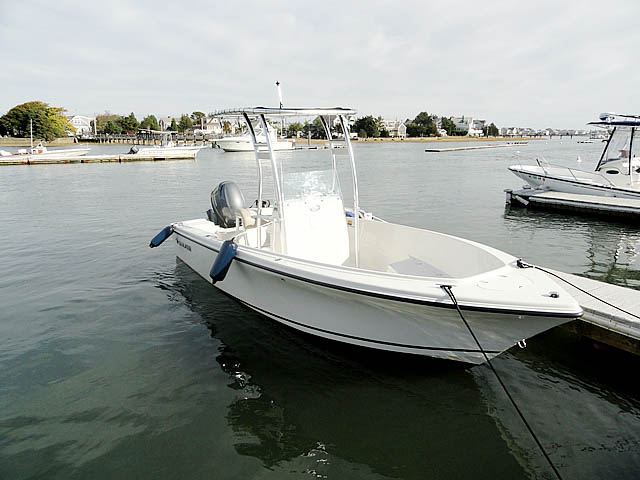 2012 Sailfish 2080 boat t-tops