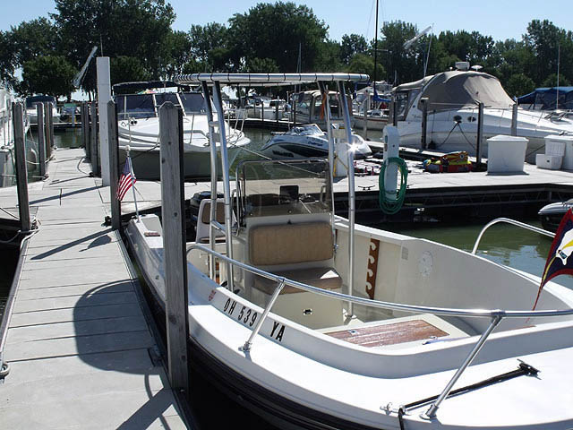 1985 205 Fisherman Wellcraft boat t-tops
