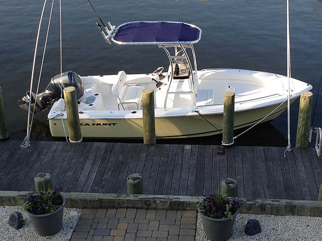 2014 Sea Hunt 202 boat t-tops