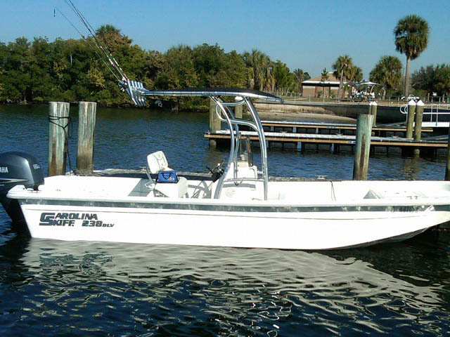 2009 Carolina Skiff 238DLV boat t-tops