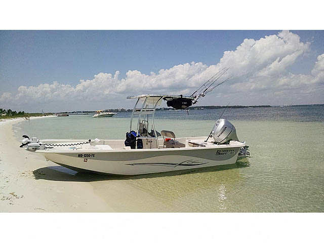 2013 Carolina Skiff 218 DLV boat t-tops