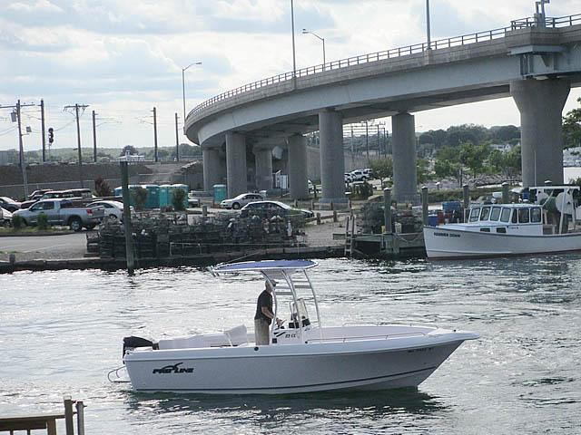 2014 23' Pro-Line Center Console boat t-tops