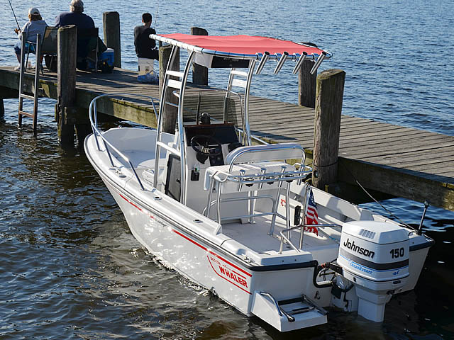 1997 Boston Whaler Outrage 17 boat t-tops