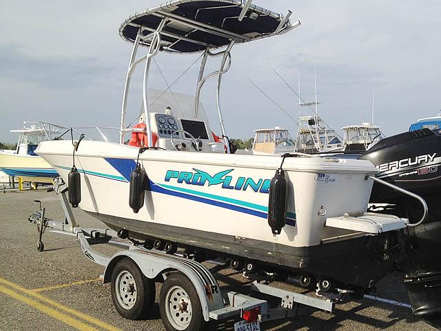 1998 Pro-Line Center Console 200 boat t-tops