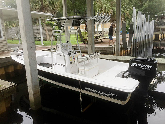 2004 Pro-Line 22' Bay boat t-tops