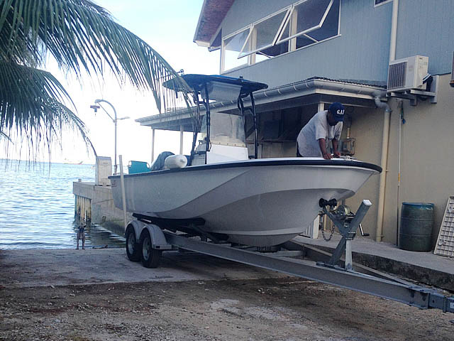 1988 Boston Whaler Outrage boat t-tops