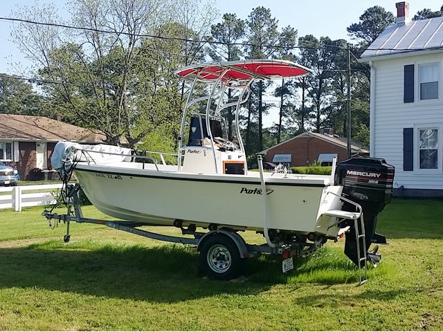 1989 Parker Center Console boat t-tops