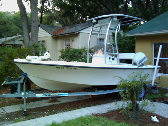 17ft Mako boat t-tops