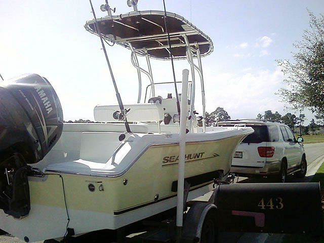 2008 Sea Hunt boat t-tops