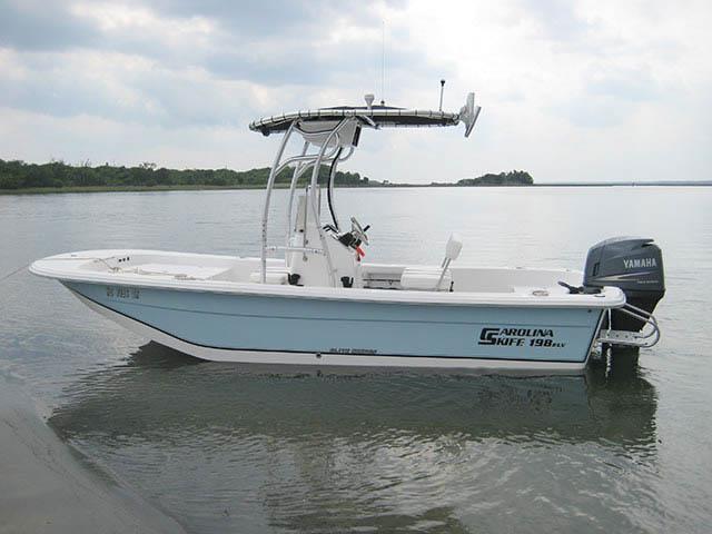 2010 Carolina Skiff 198 DLV Elite boat t-tops