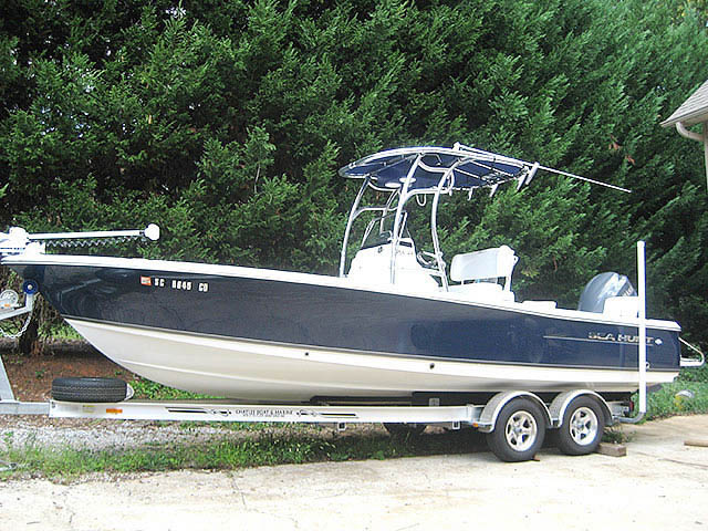 2011 Sea Hunt BX24 Bay Boat boat t-tops