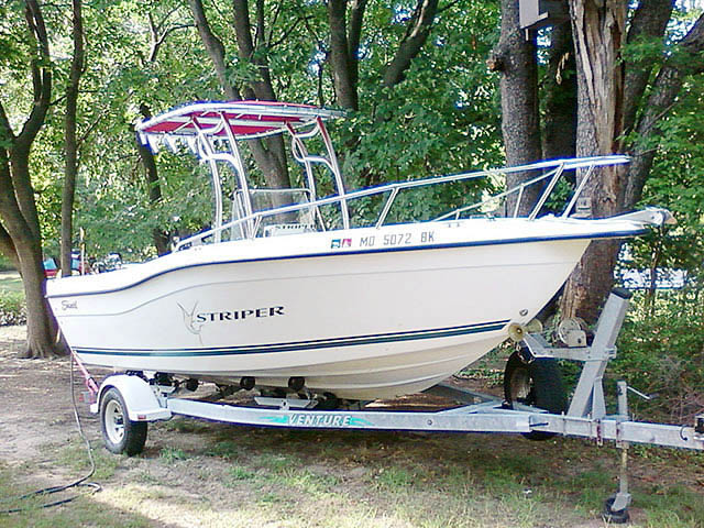 2000 Seaswirl Stiper boat t-tops