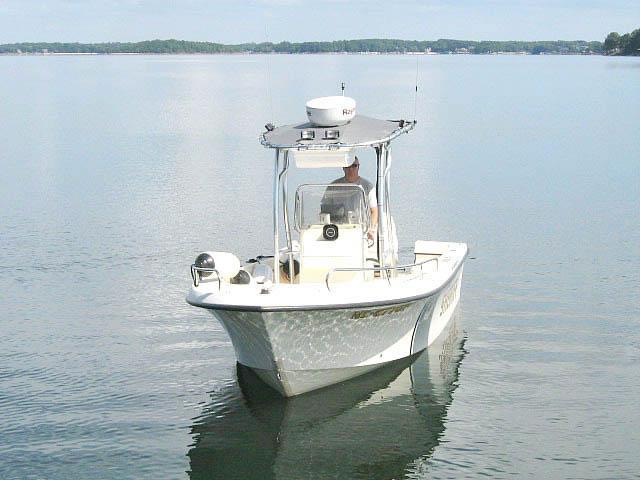 2005 Maycraft 2000 boat t-tops