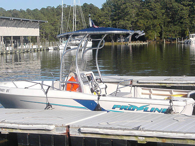1998 Proline 20ft Center Console boat t-tops