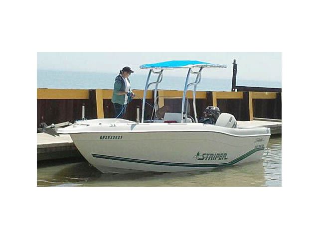 1996 Striper Seaswirl 21Ft CC boat t-tops