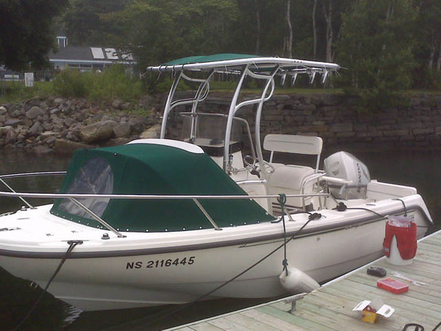 1999 Boston Whaler Outrage 18 center console boat with universal ttop by Stryker T-Tops installed